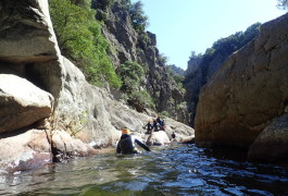 Canyoning à Béziers Dans Le Canyon Du Rec Grand, Dans L'Hérault