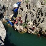 Canyoning Près De Montpellier Au Canyon Du Diable Dans L'Hérault En Occitanie