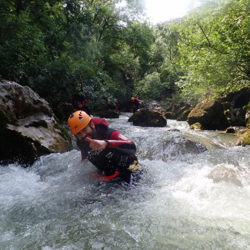 Canyoning Près De Montpellier Dans Cette Randonnée Au Ravin Des Arcs