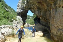 Canyoning Près De Montpellier Au Ravin Des Arcs Dans L'Hérault