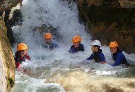 Canyoning Près De Montpellier Au Ravin Des Arcs En Occitanie Dans L'Hérault