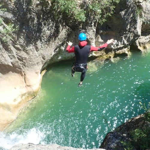 Canyoning Et Saut Dans Le Canyon Du Ravin Des Arcs