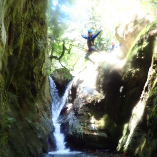 Saut En Canyoning Dans Le Caroux Au Ruisseau D'Albès