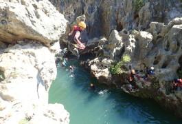 Canyoning Et Saut Dans Les Gorges De L'Hérault Près De Montpellier En Occitanie